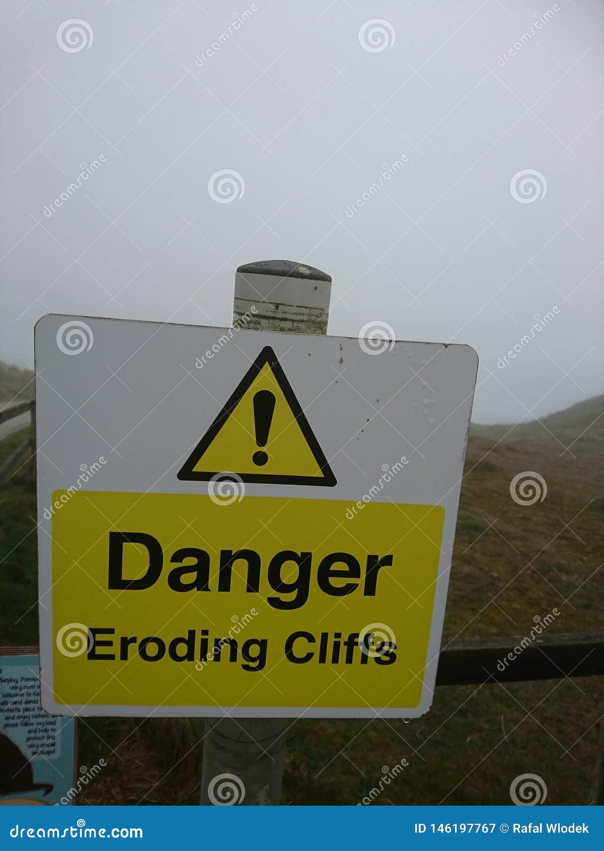 Προειδοποιητικά σημάδια Να είστε προσεκτικός κατά την περπάτημα, οργή clifs, διαβρώνοντας τους απότομους βράχους Διακοπές της Κορ