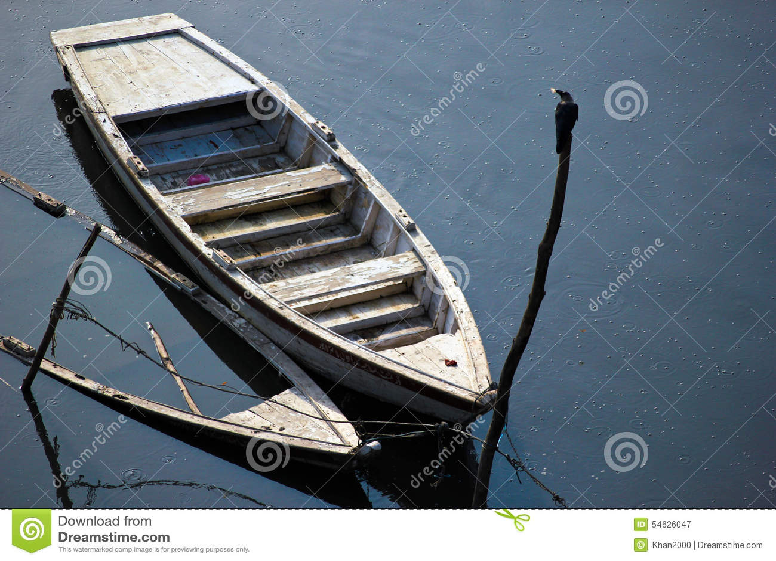 Προκαλούμενη πλημμύρα βάρκα που βυθίζεται