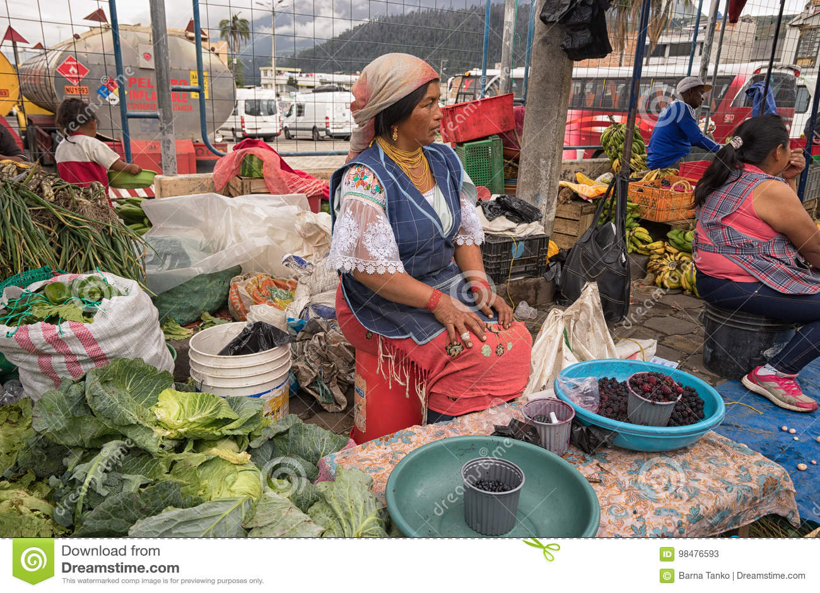 προμηθευτής προϊόντων στην αγορά Σαββάτου