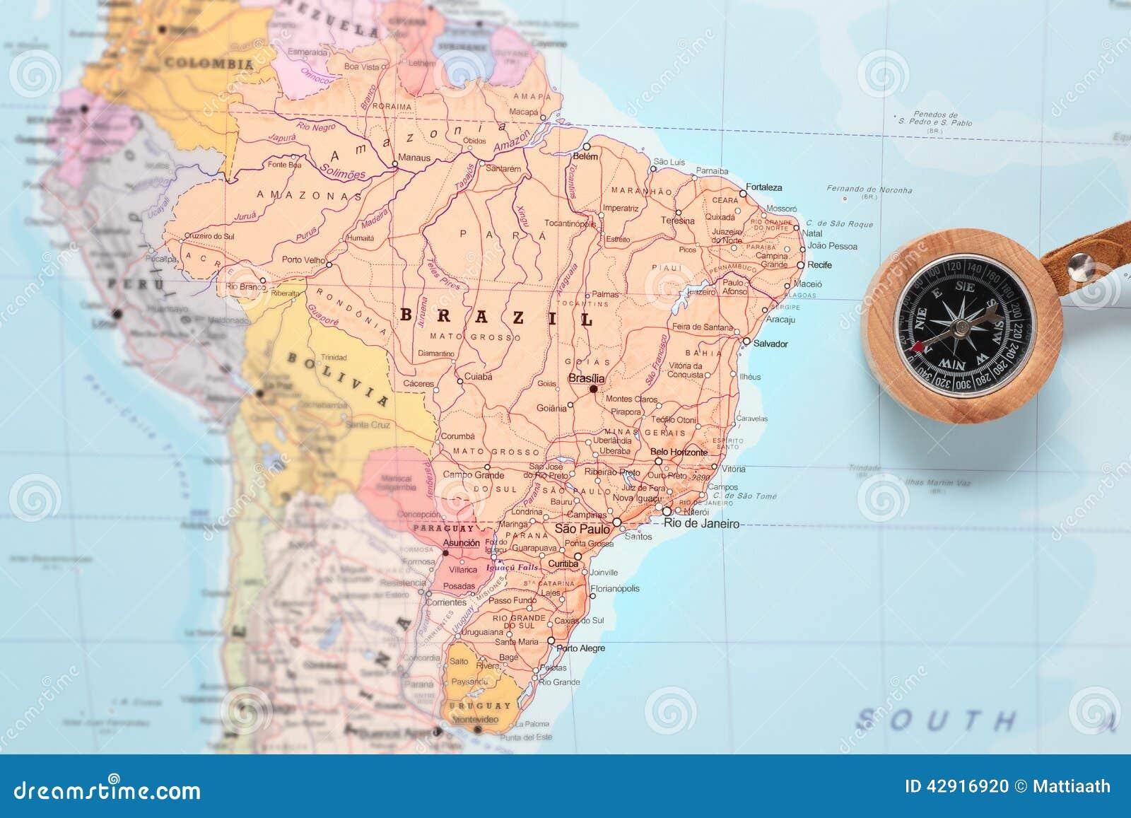 Προορισμός Βραζιλία, χάρτης ταξιδιού με την πυξίδα