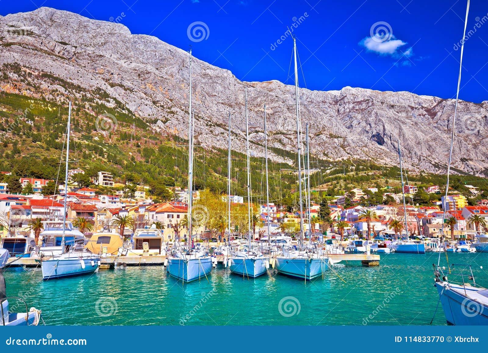 Προορισμός ναυσιπλοΐας προκυμαιών voda Baska στο riviera Makarska