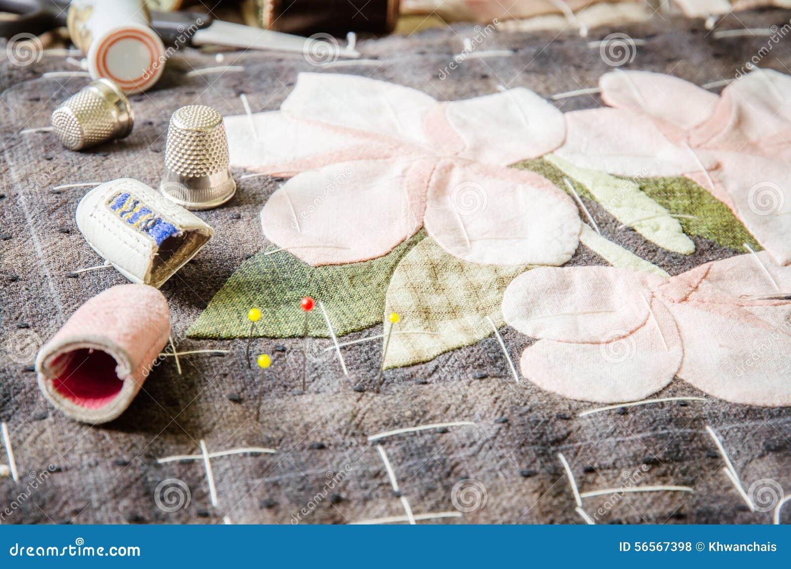 Download Προσαρμόζοντας εξαρτήματα χόμπι Ράβοντας εξάρτηση τεχνών, να γεμίσει Στοκ Εικόνες - εικόνα από λυγαριά, νήμα: 56567398