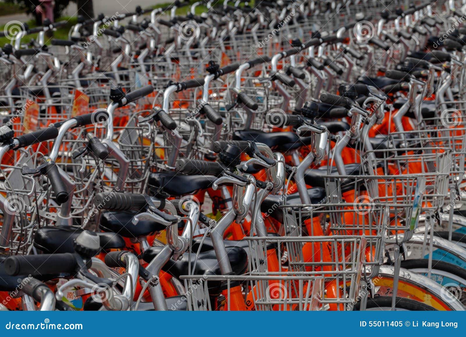 Προσφέρει τα ενοικιαζόμενα ποδήλατα
