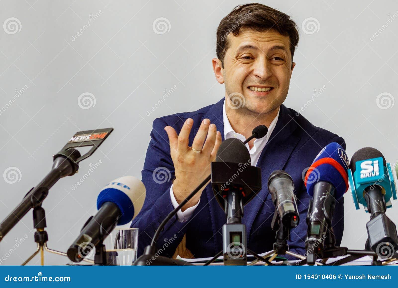 Πρόεδρος της Ουκρανίας Volodymyr επισκεμμένο Zelenskyy Uzhgorod