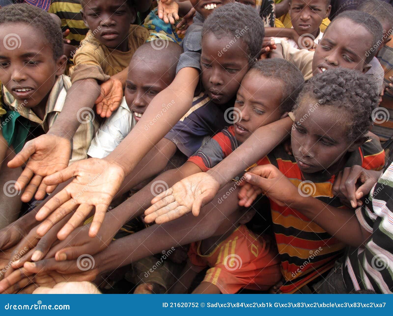 πρόσφυγας πείνας στρατόπ&epsilon