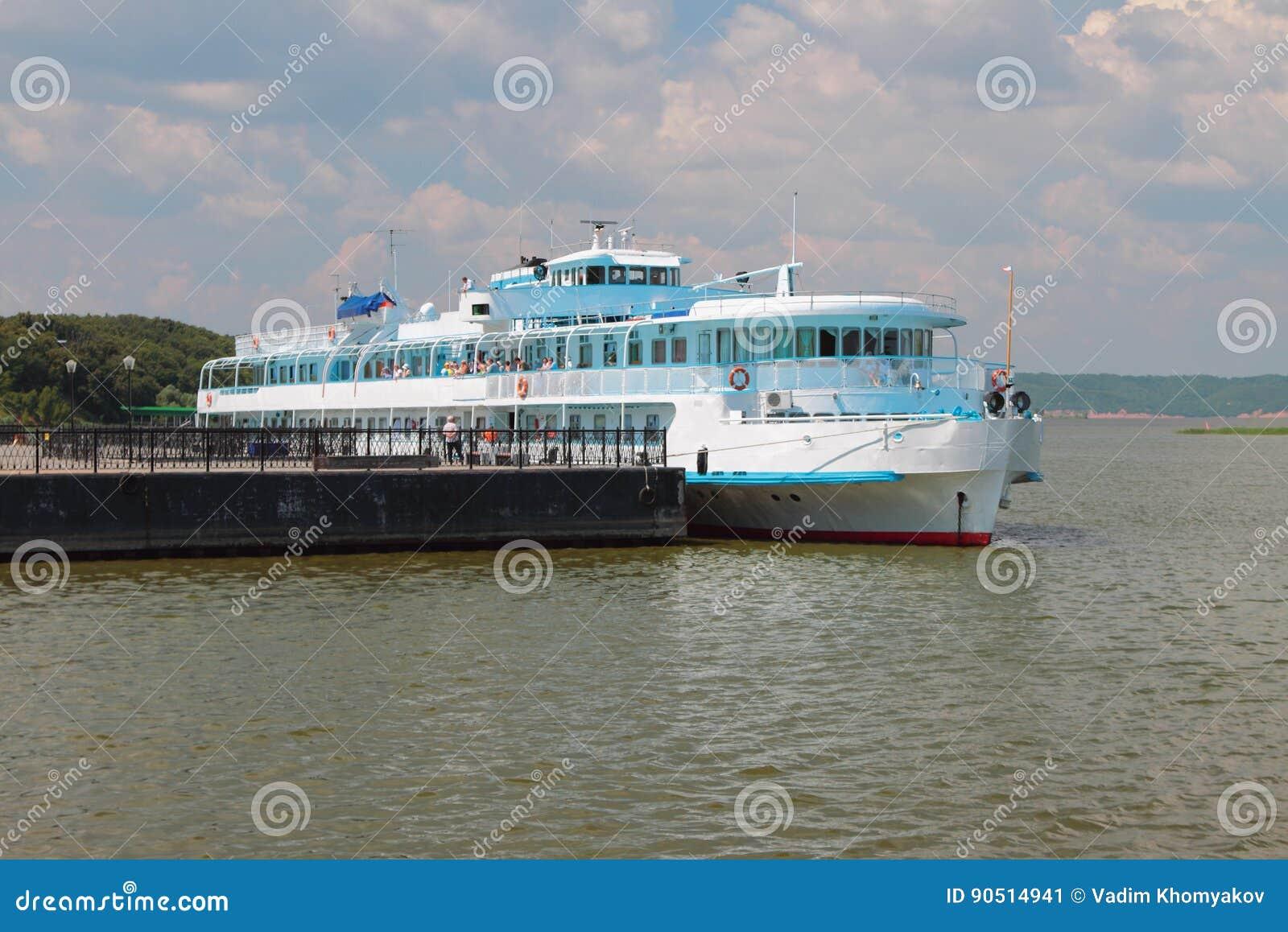 Πρόσδεση και σκάφος μηχανών επιβατών Bulgar, Ρωσία