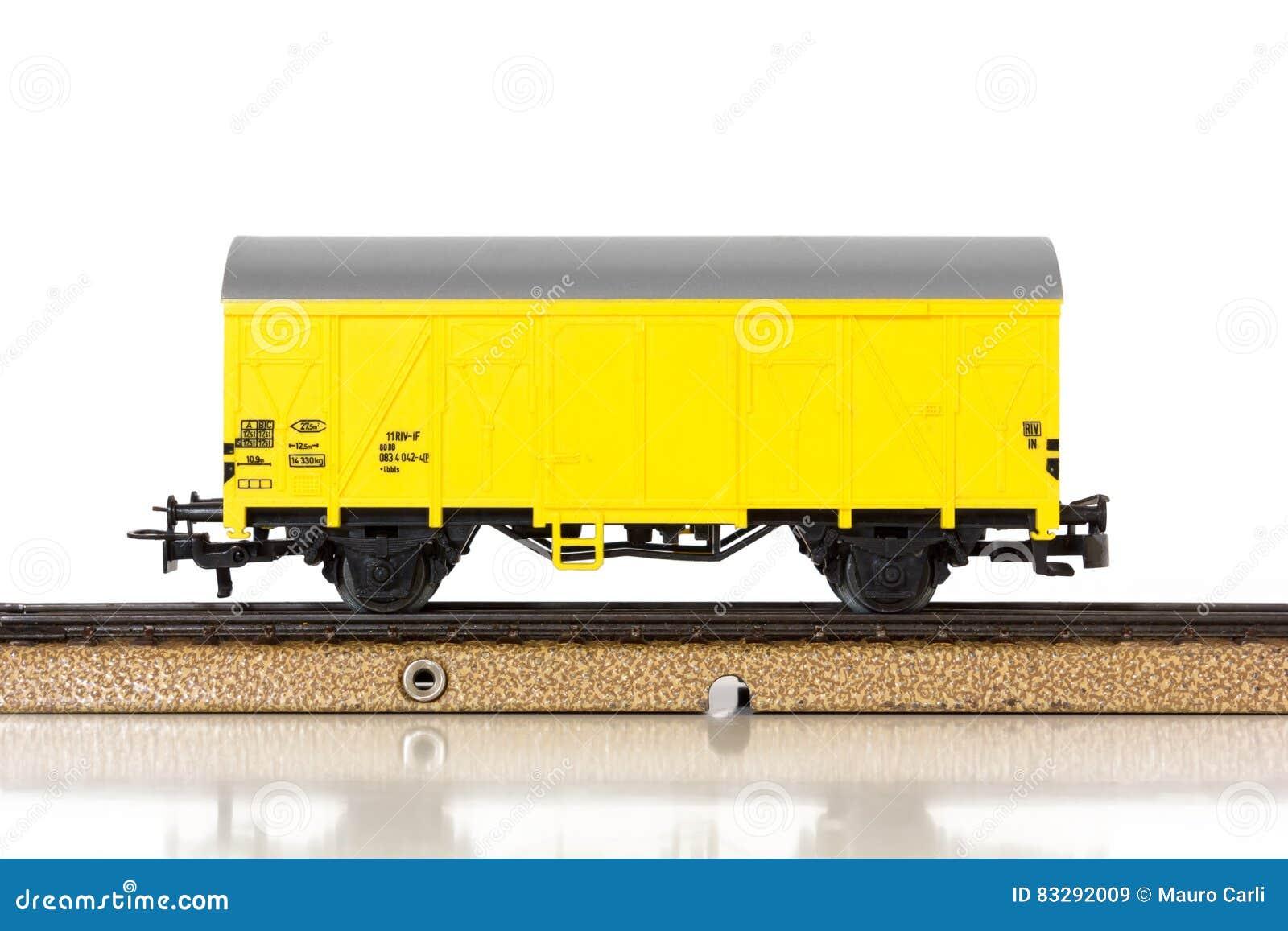 Πρότυπο Boxcar τραίνων ` s στις ράγες