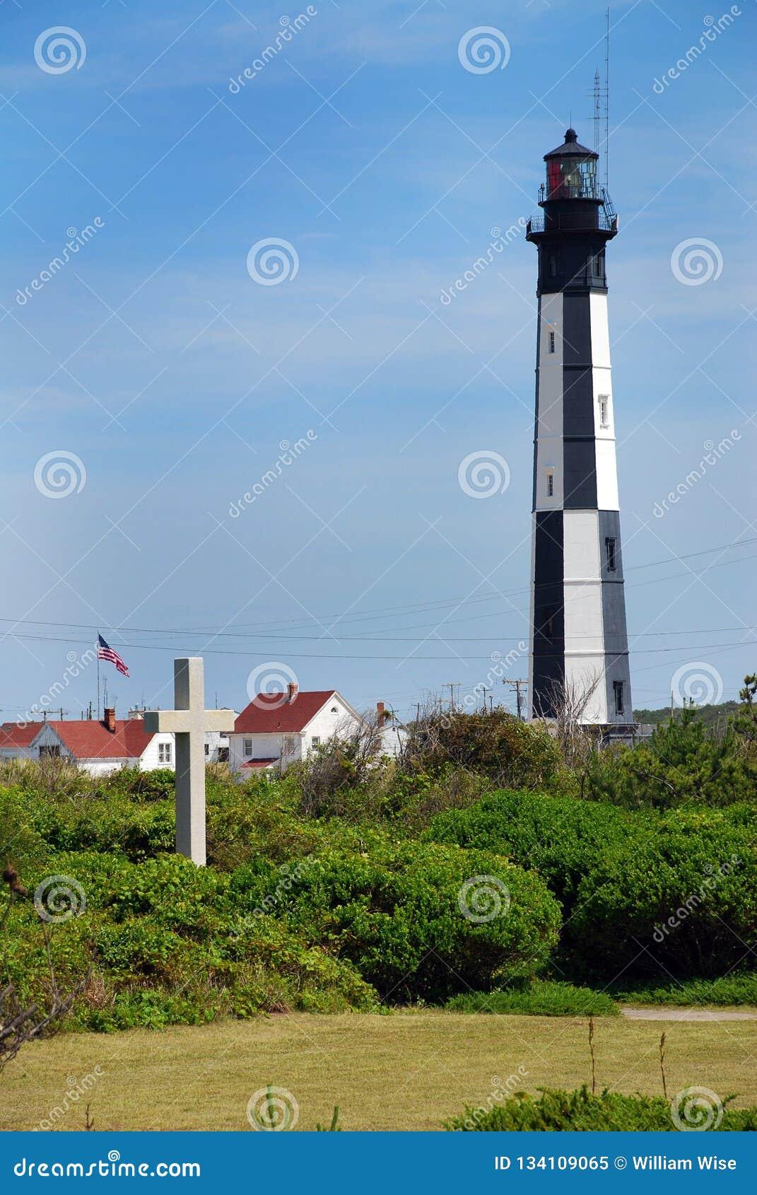 Πρώτα προσγειωμένος διαγώνιο μνημείο και νέος φάρος του Henry ακρωτηρίων, Βιρτζίνια ΗΠΑ