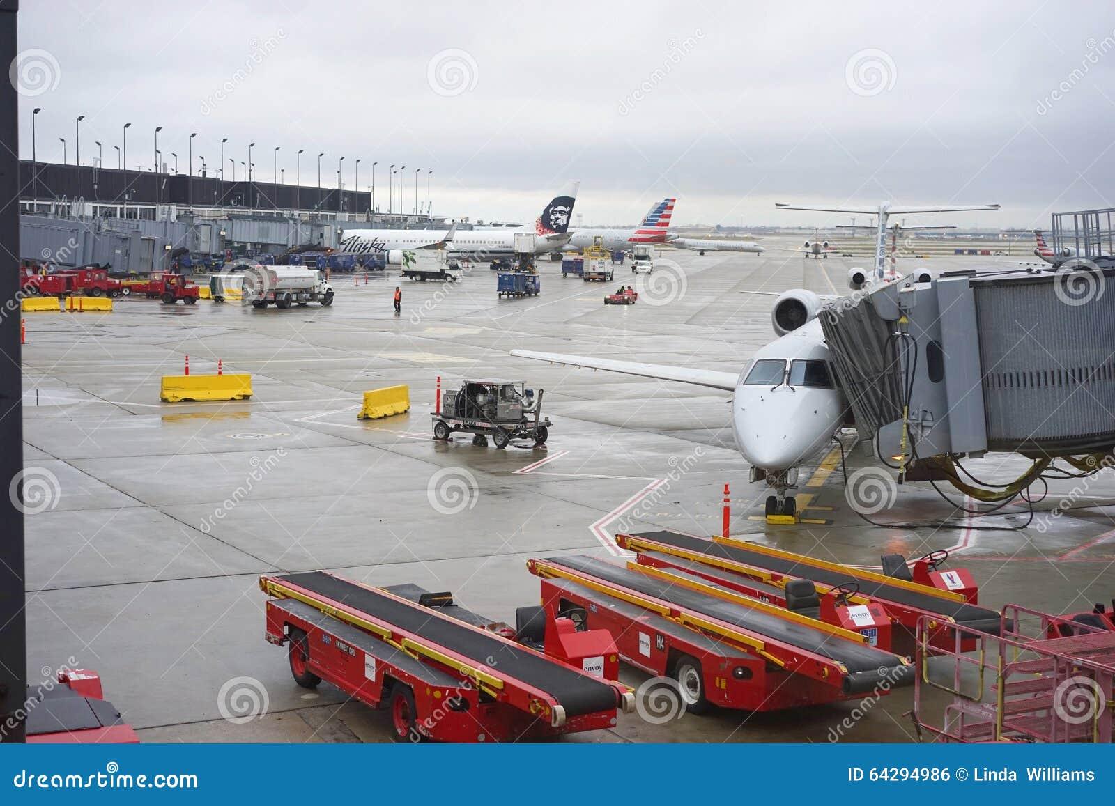 Πτήσεις έτοιμες για την απογείωση στον αερολιμένα του Σικάγου O $l*Harez