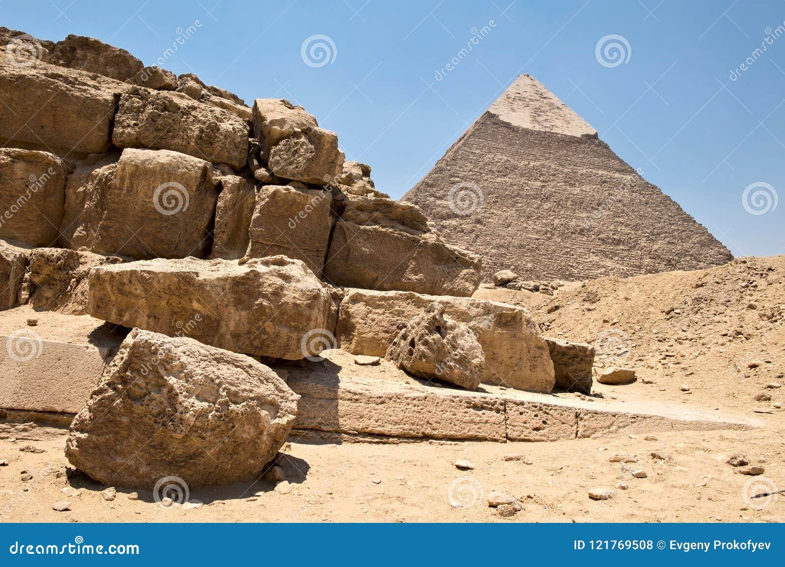 Πυραμίδα Khafre και των καταστροφών