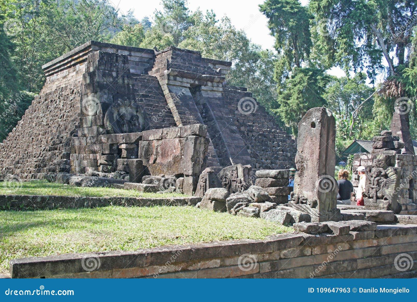 Πυραμίδα Sukuh