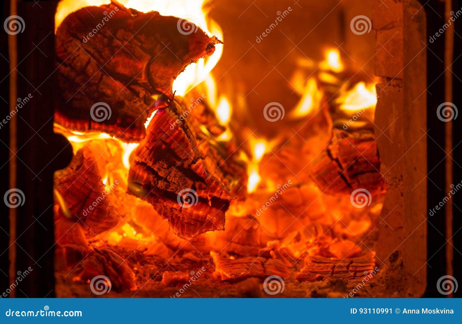 Πυρκαγιά και άνθρακες στο φούρνο εστιών