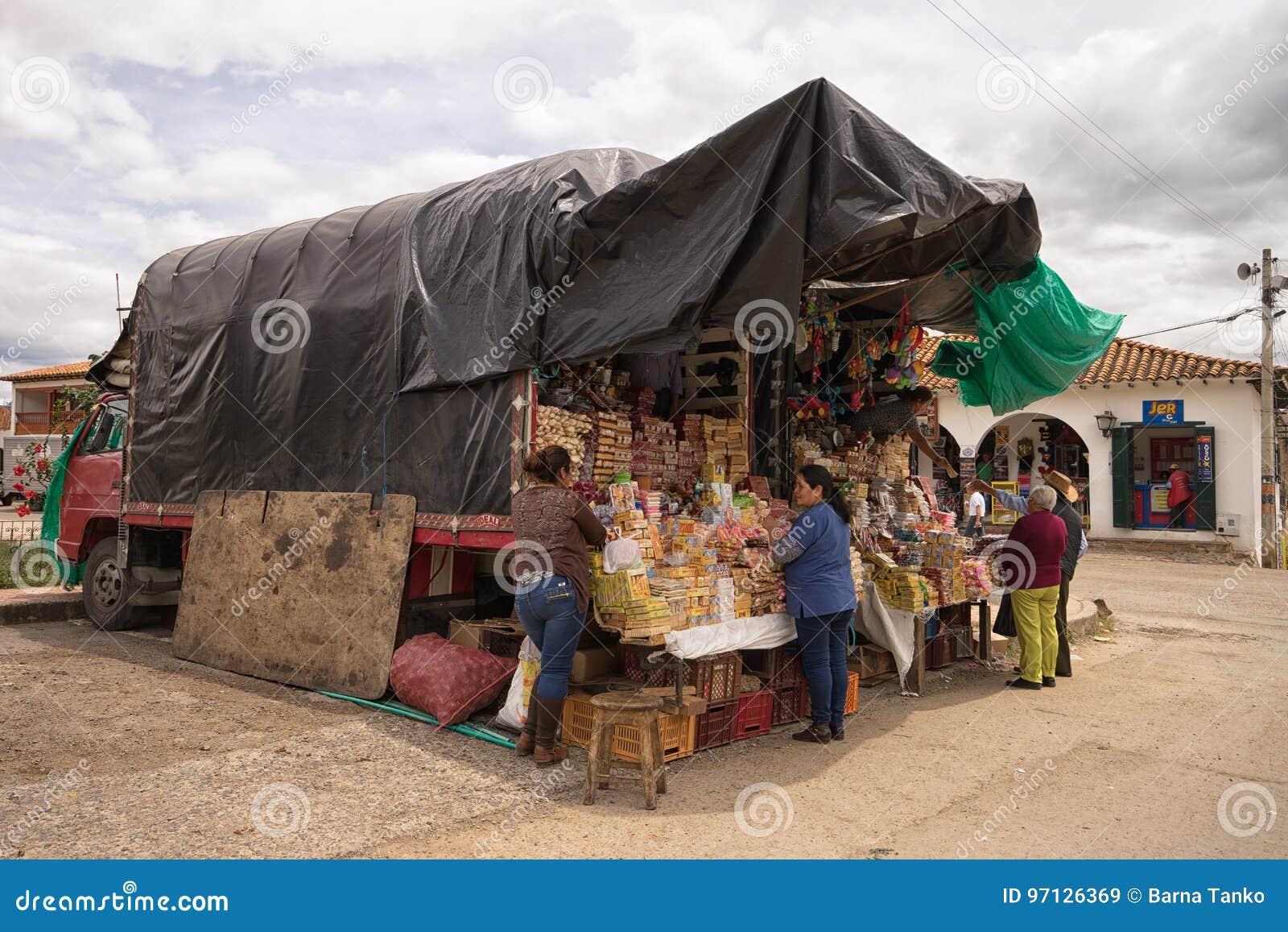 Πωλώντας τρόφιμα πλανόδιων πωλητών
