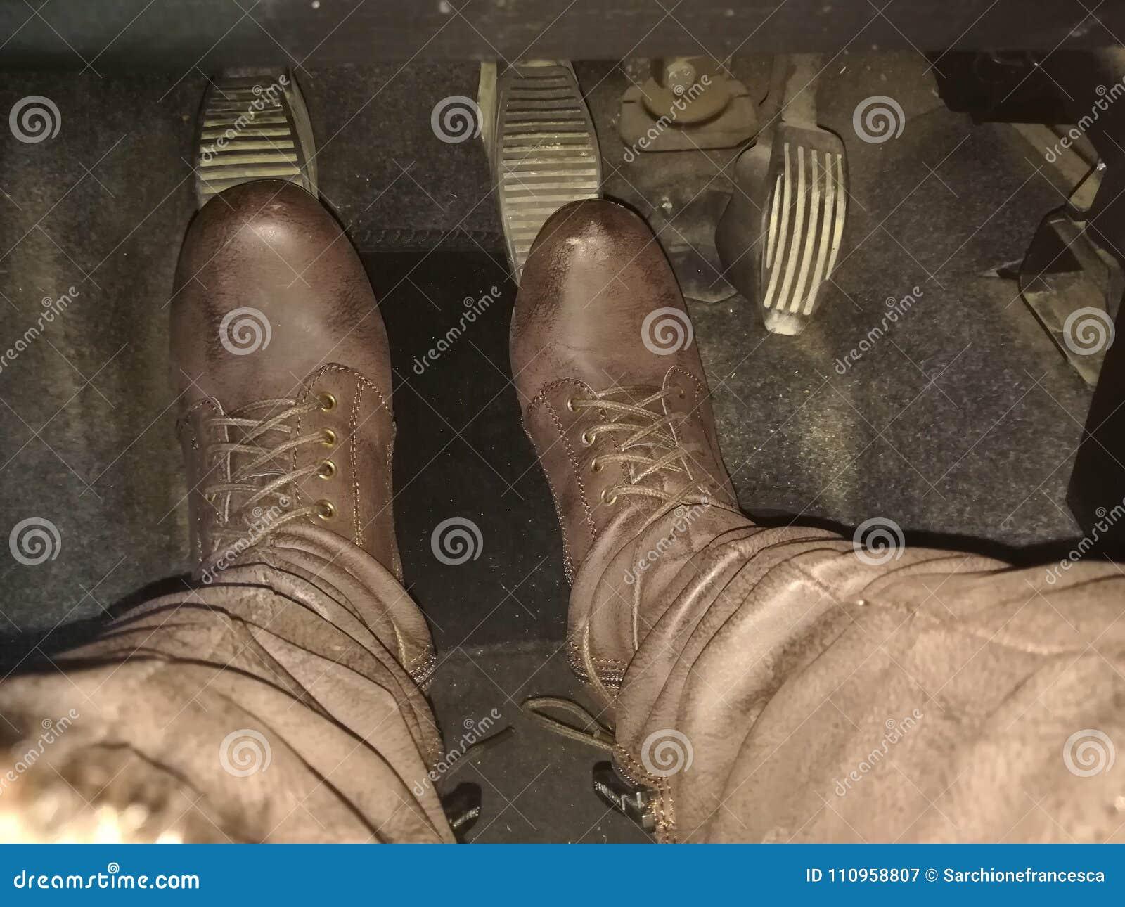 Πόδια στα πεντάλια