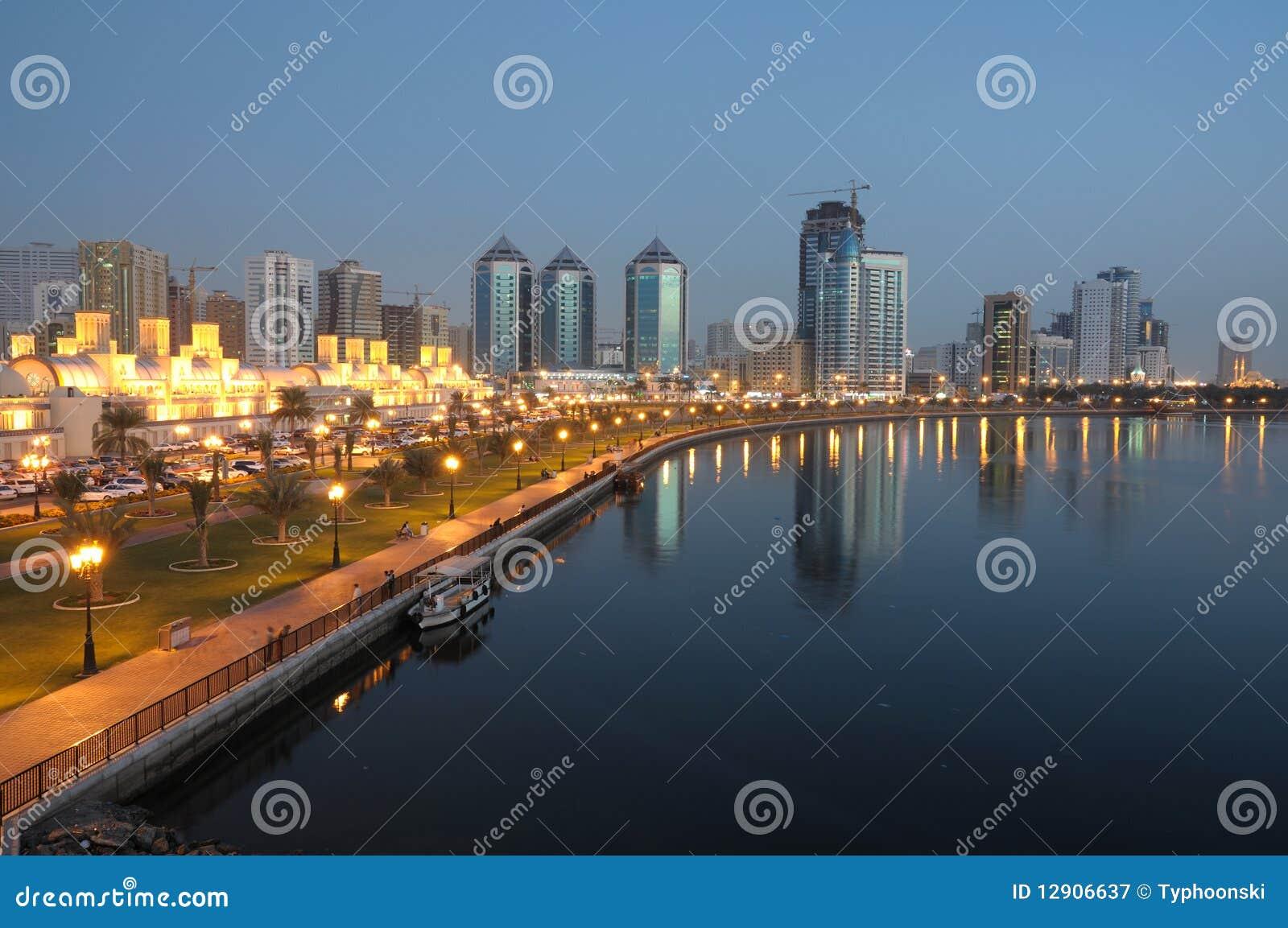 Πόλη της Σάρτζας dusk