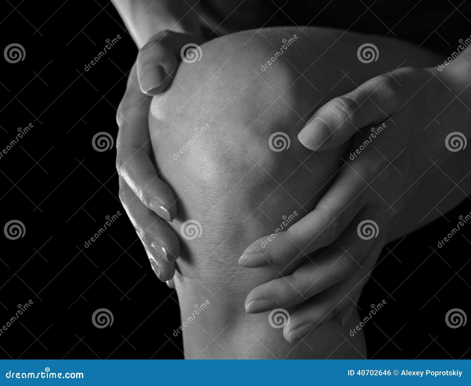 Πόνος στο θηλυκό γόνατο