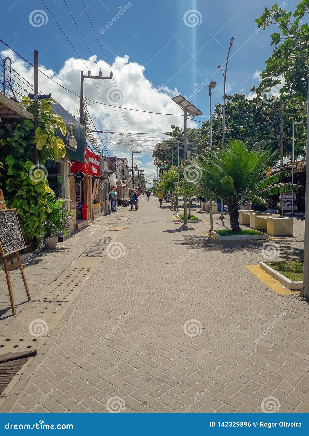 Πόρτο Galinhas, Pernambuco, Βραζιλία, 16,2019 Μαρτίου: Άνθρωποι την ηλιόλουστη ημέρα στην παραλία του Πόρτο Galinhas, άνθρωποι πο