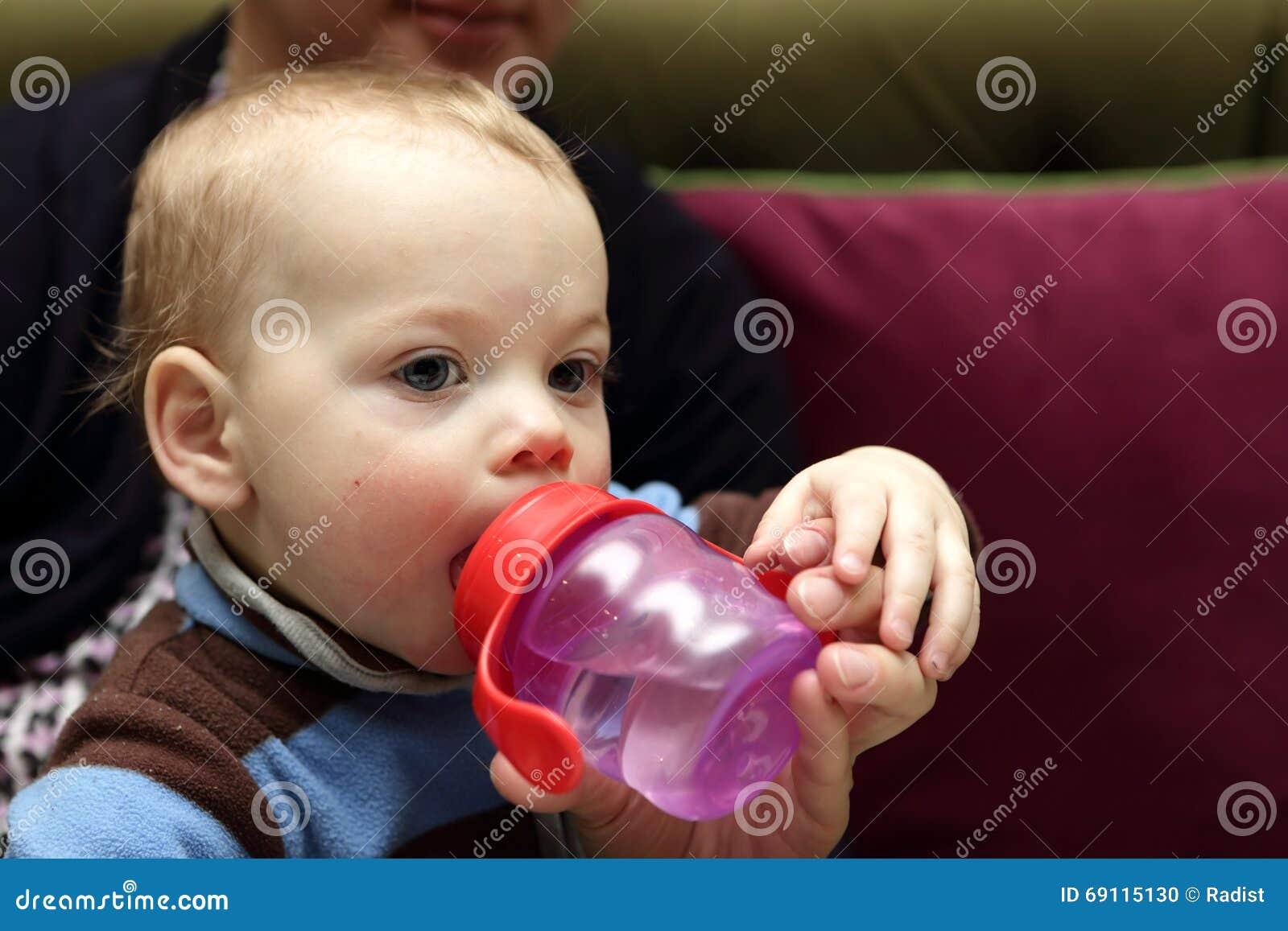 πόσιμο νερό μωρών