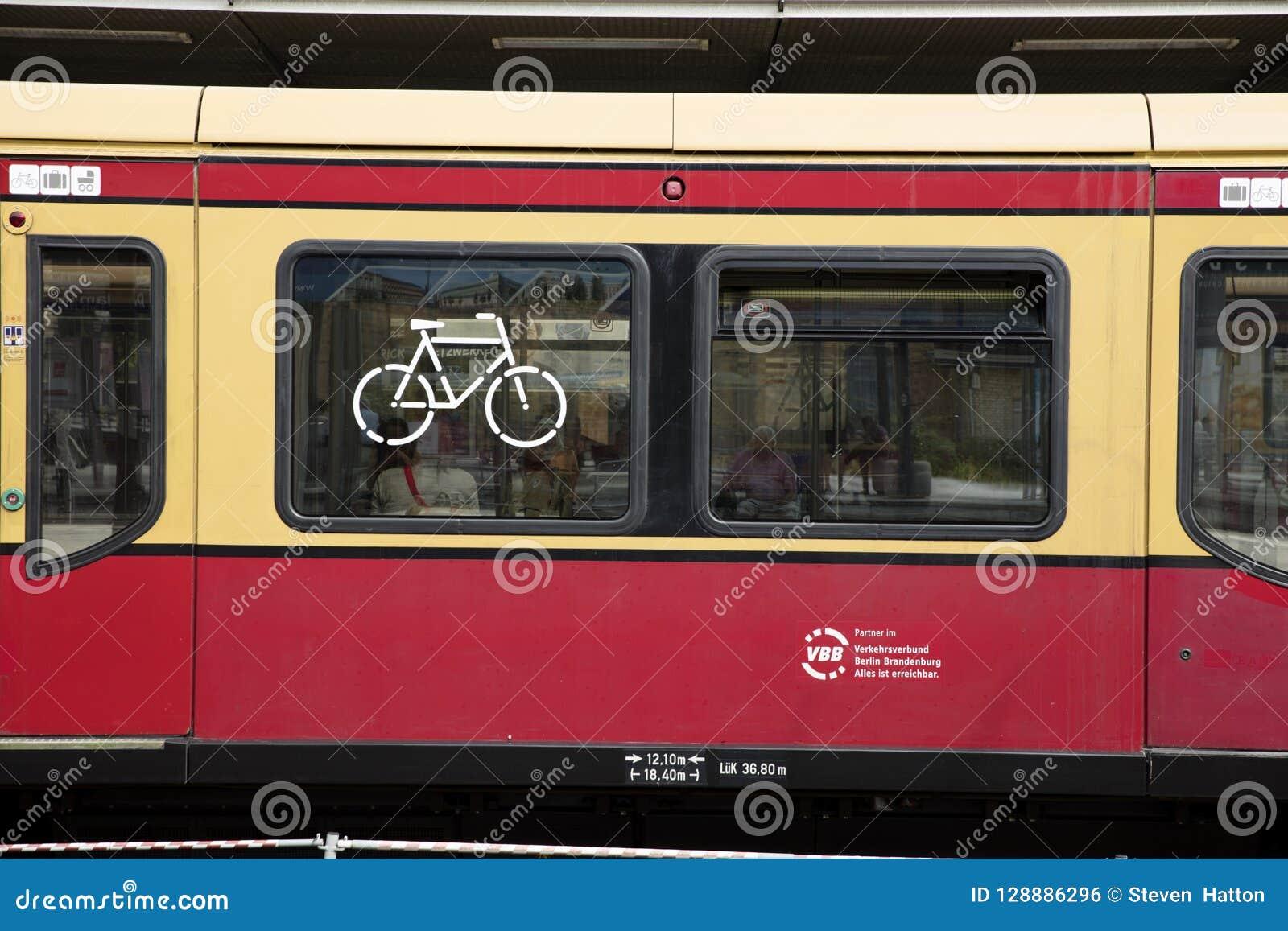Πότσνταμ, Βερολίνο, Γερμανία: Στις 18 Αυγούστου 2018: Ποδήλατο τραίνων του S Bahn