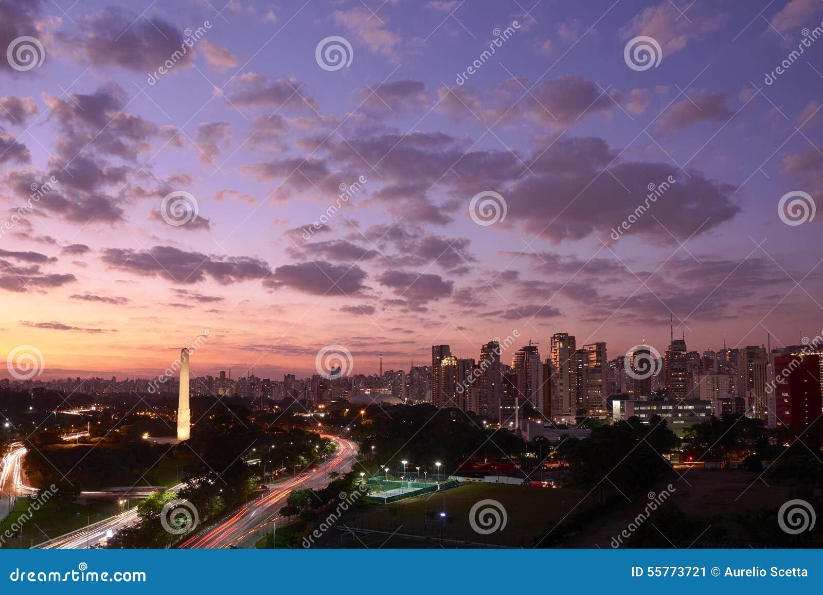 Πόλη του Σάο Πάολο στο σούρουπο, Βραζιλία