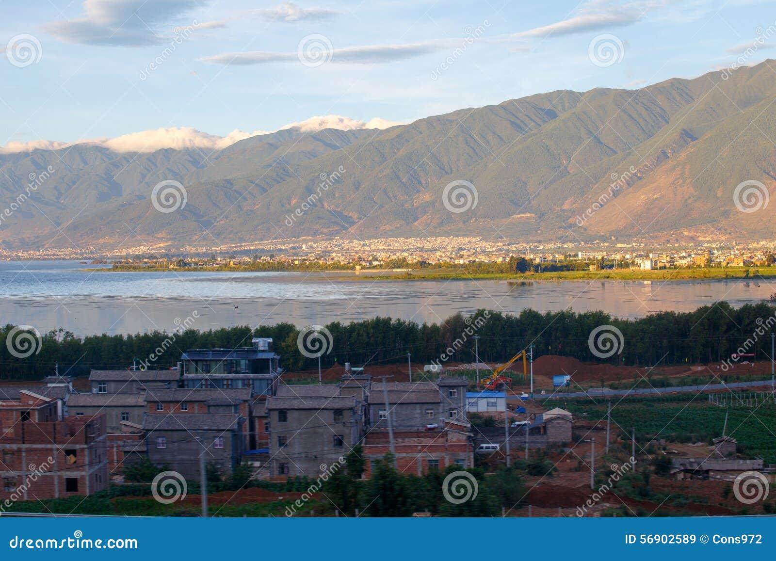Πόλη όχθεων της λίμνης του Δαλιού Yunnan Κίνα