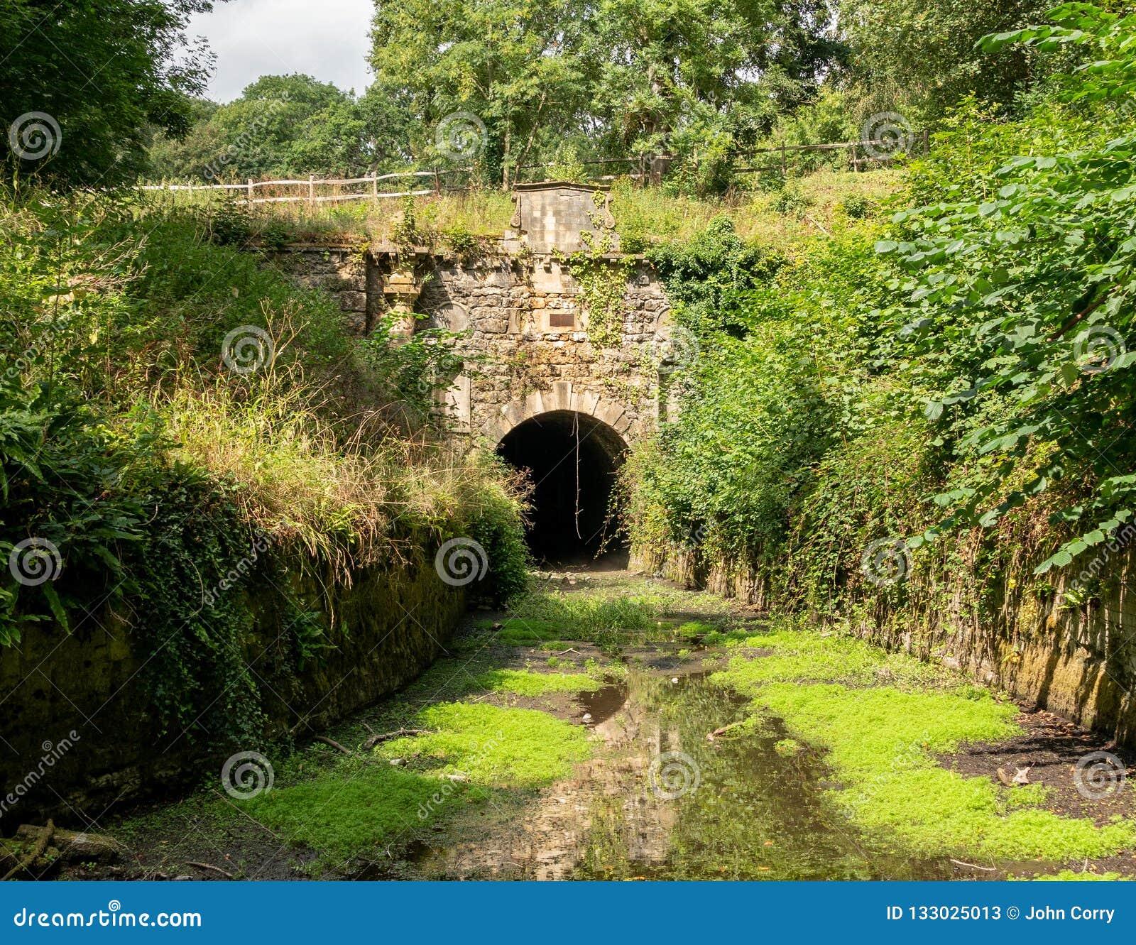 Πύλη Coates της σήραγγας Sapperton, Τάμεσης - κανάλι Severn, Cotswolds, Ηνωμένο Βασίλειο