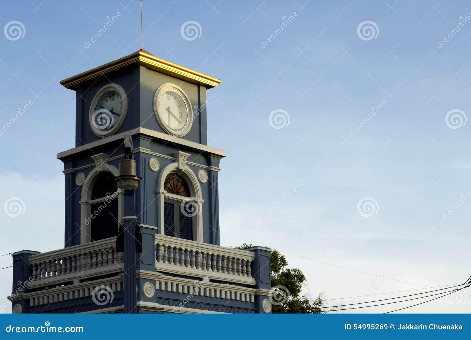 Πύργος ρολογιών στον κύκλο Surin, πόλη Phuket