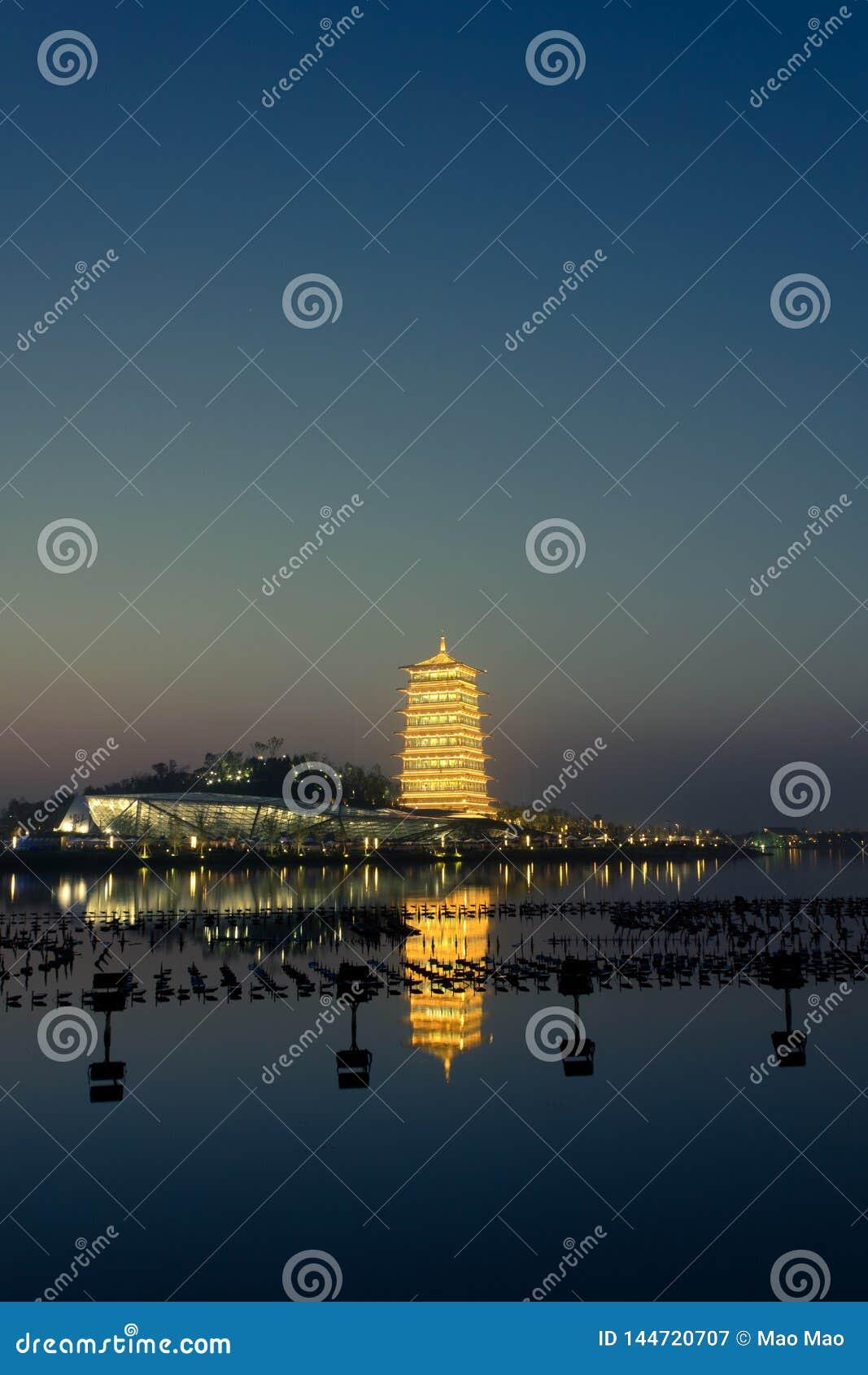 """Πύργος Changan τη νύχτα, νέο ορόσημο ΧΙ """", Shaanxi, Κίνα"""