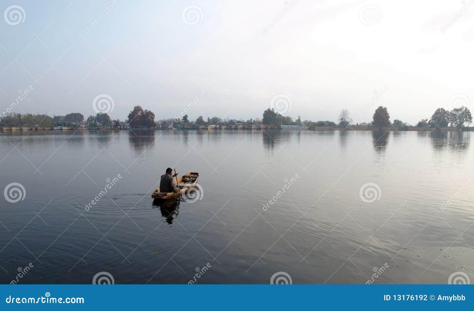 πώληση ατόμων λιμνών βαρκών DAL Κ