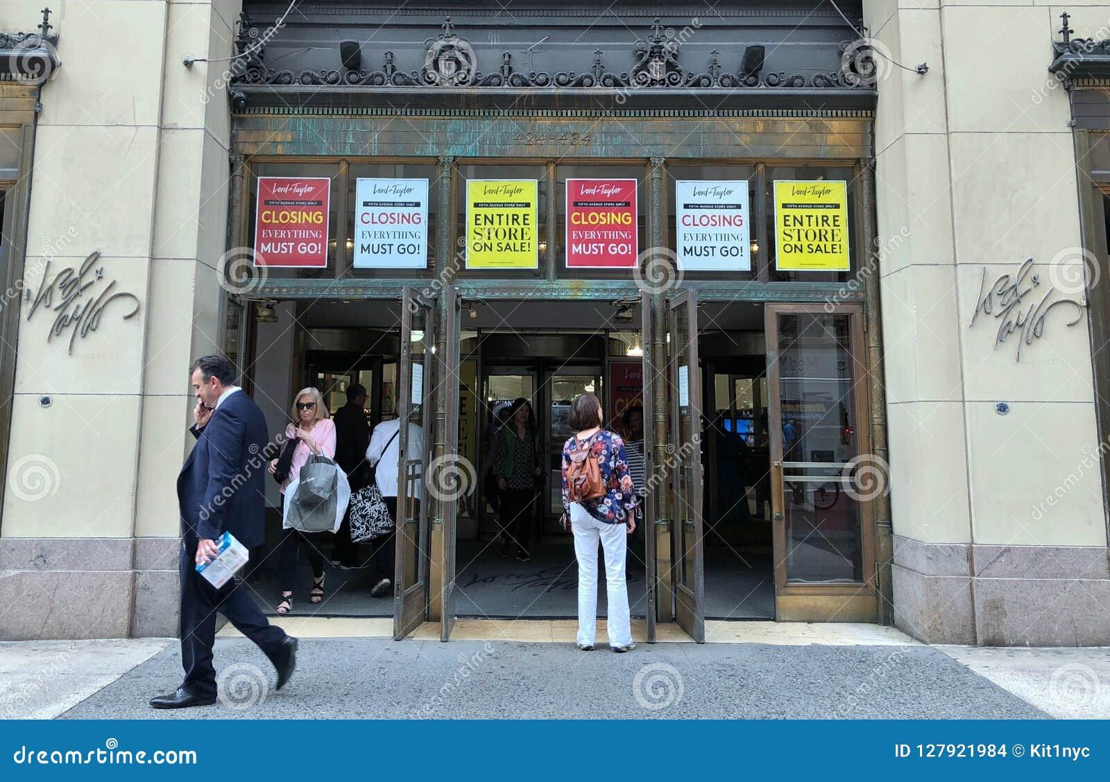 Πώληση καταστημάτων Λόρδου και ναυαρχίδων του Taylor Νέα Υόρκη και κλείνοντας σημάδια και αφίσες καταστημάτων