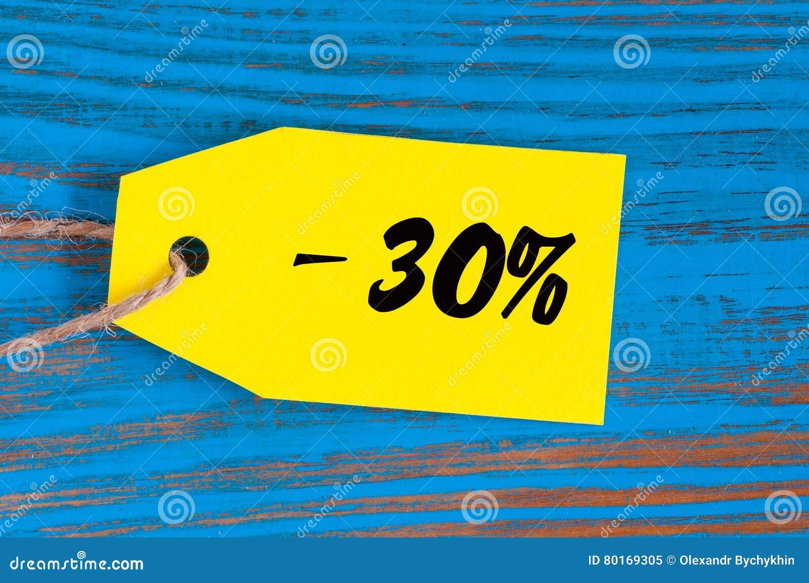 Πώληση μείον 30 τοις εκατό Μεγάλες πωλήσεις τριάντα percents στο μπλε ξύλινο υπόβαθρο για το ιπτάμενο, αφίσα, αγορές, σημάδι, έκπ