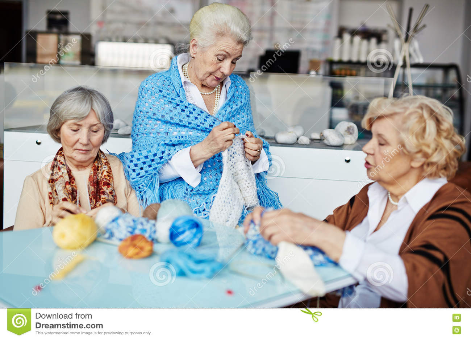 Πλέξιμο θηλυκών