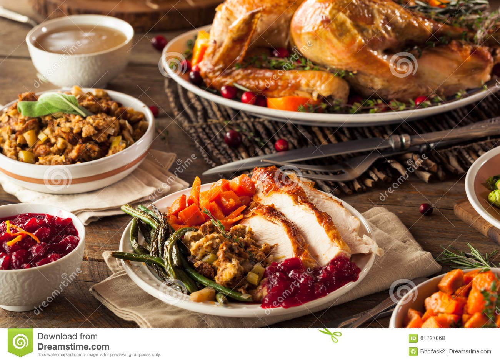 Πλήρες σπιτικό γεύμα ημέρας των ευχαριστιών