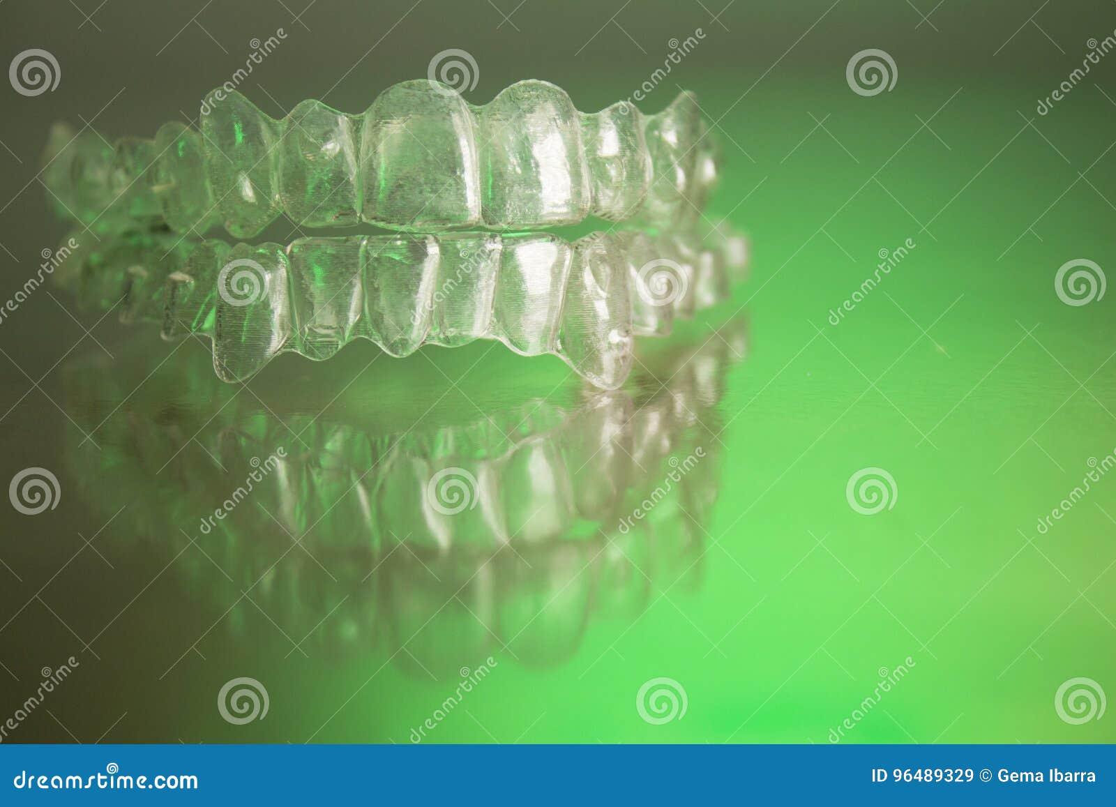 Πλαστικό οδοντικό orthodontics