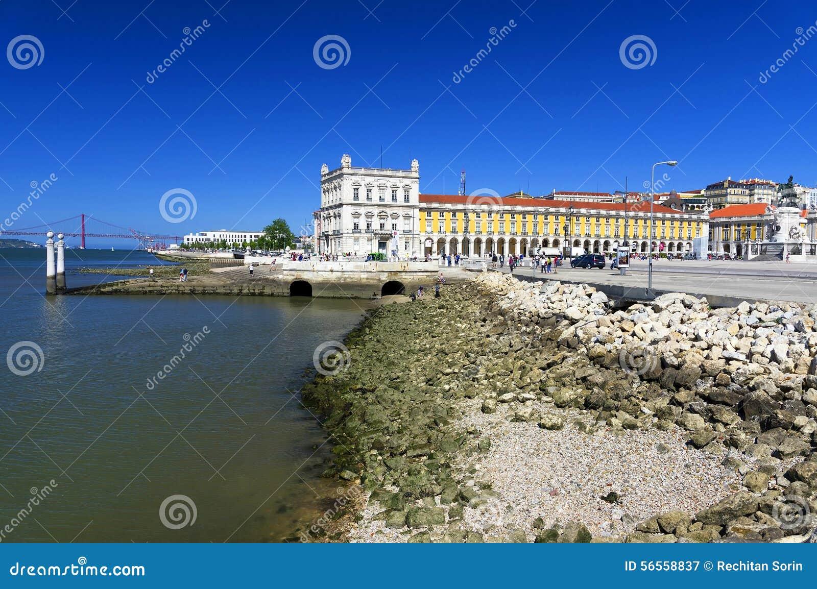 Download πλατεία της Λισσαβώνας &epsilo Στοκ Εικόνα - εικόνα από προορισμός, ευρωπαϊκά: 56558837