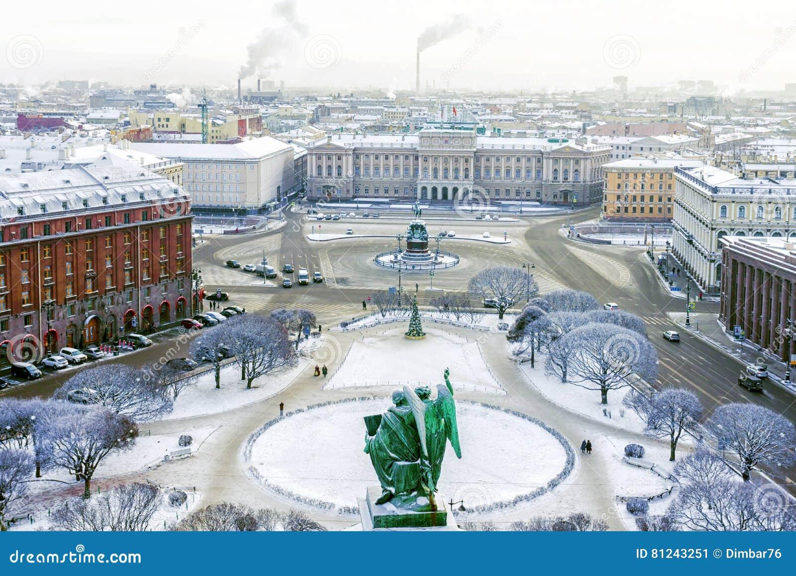 Πλατεία του Isaac ` s στην Αγία Πετρούπολη το χειμώνα
