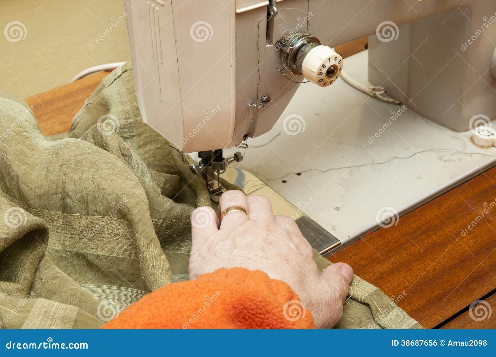 Ράβοντας μηχανή