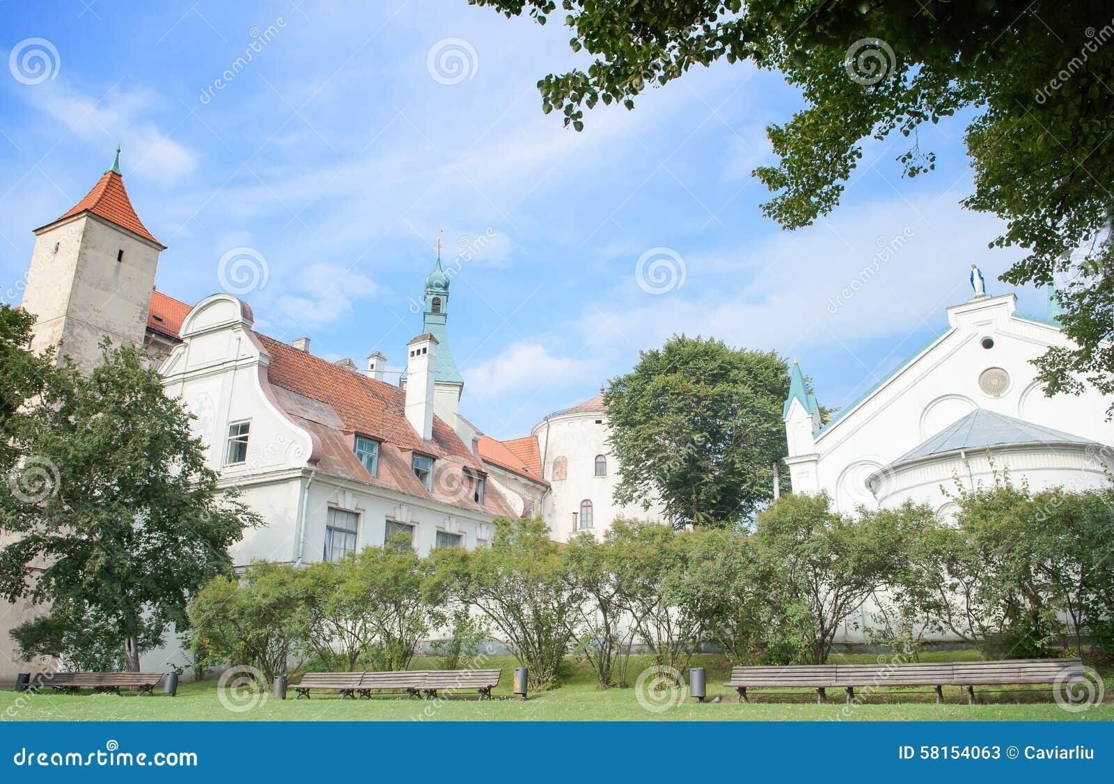 Ρήγα, Λετονία - 10 Αυγούστου 2014 - η γραφική άποψη της Ρήγας Castle (η κατοικία του Προέδρου της Λετονίας) με τη Virgin Angu