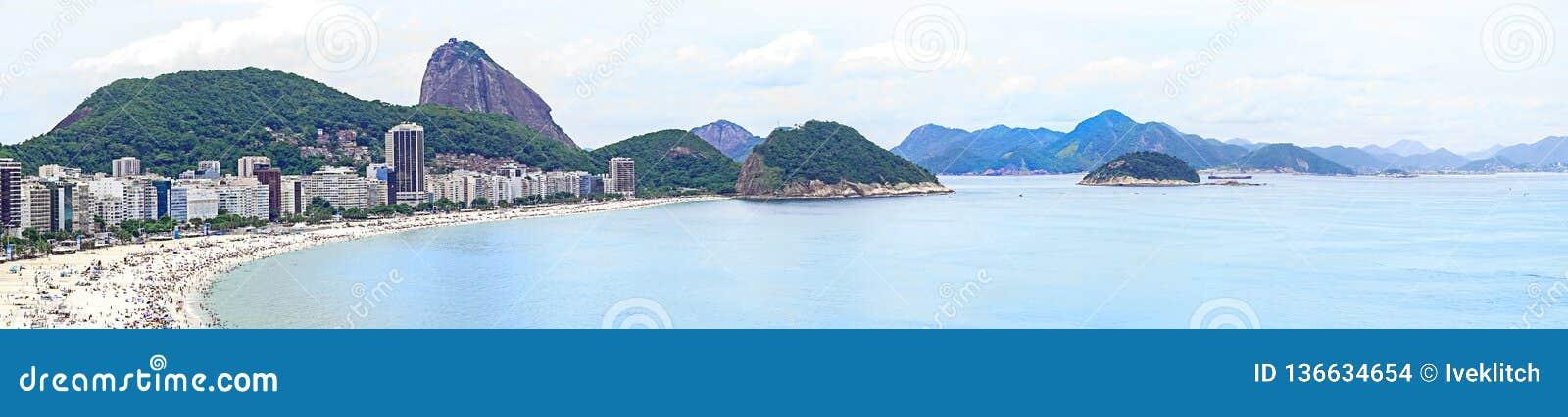 Ρίο ντε Τζανέιρο, Βραζιλία - 01 01 2019 παραλία Copacabana στο Ρίο ντε Τζανέιρο, Βραζιλία Εναέρια άποψη της αμμώδους παραλίας Cop