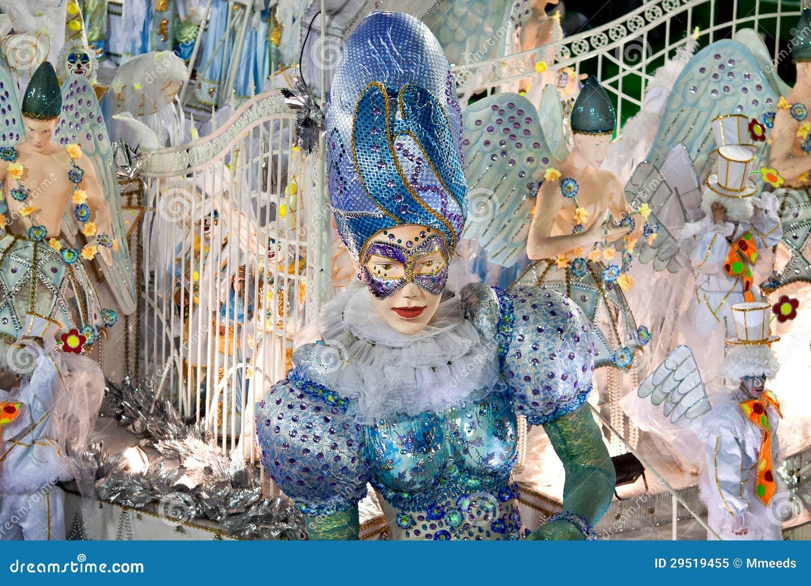 ΡΊΟ ΝΤΕ ΤΖΑΝΈΙΡΟ - ΣΤΙΣ 10 ΦΕΒΡΟΥΑΡΊΟΥ: Εμφανίστε με τις διακοσμήσεις σε καρναβάλι