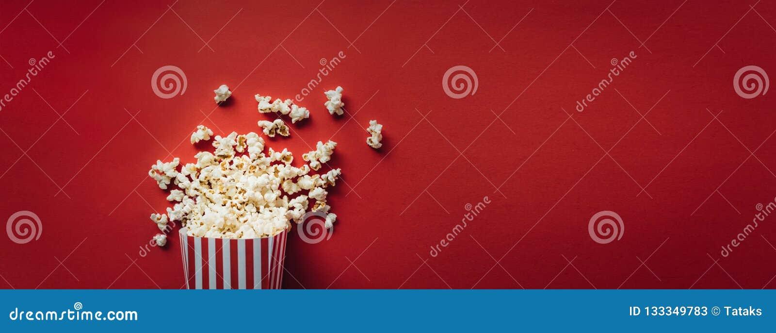 Ριγωτό κιβώτιο με popcorn