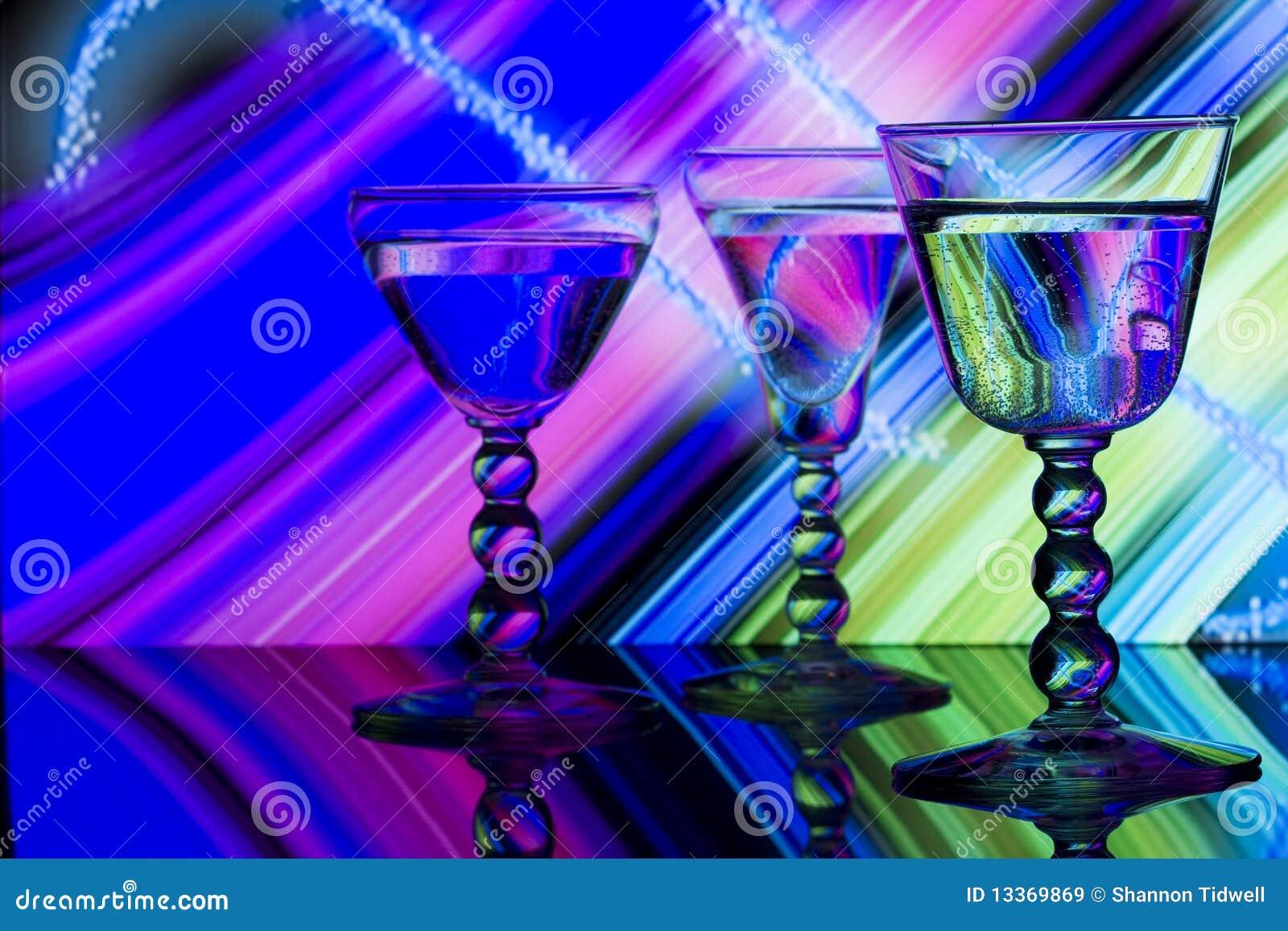 ριγωτό κρασί νέου γυαλιών &al