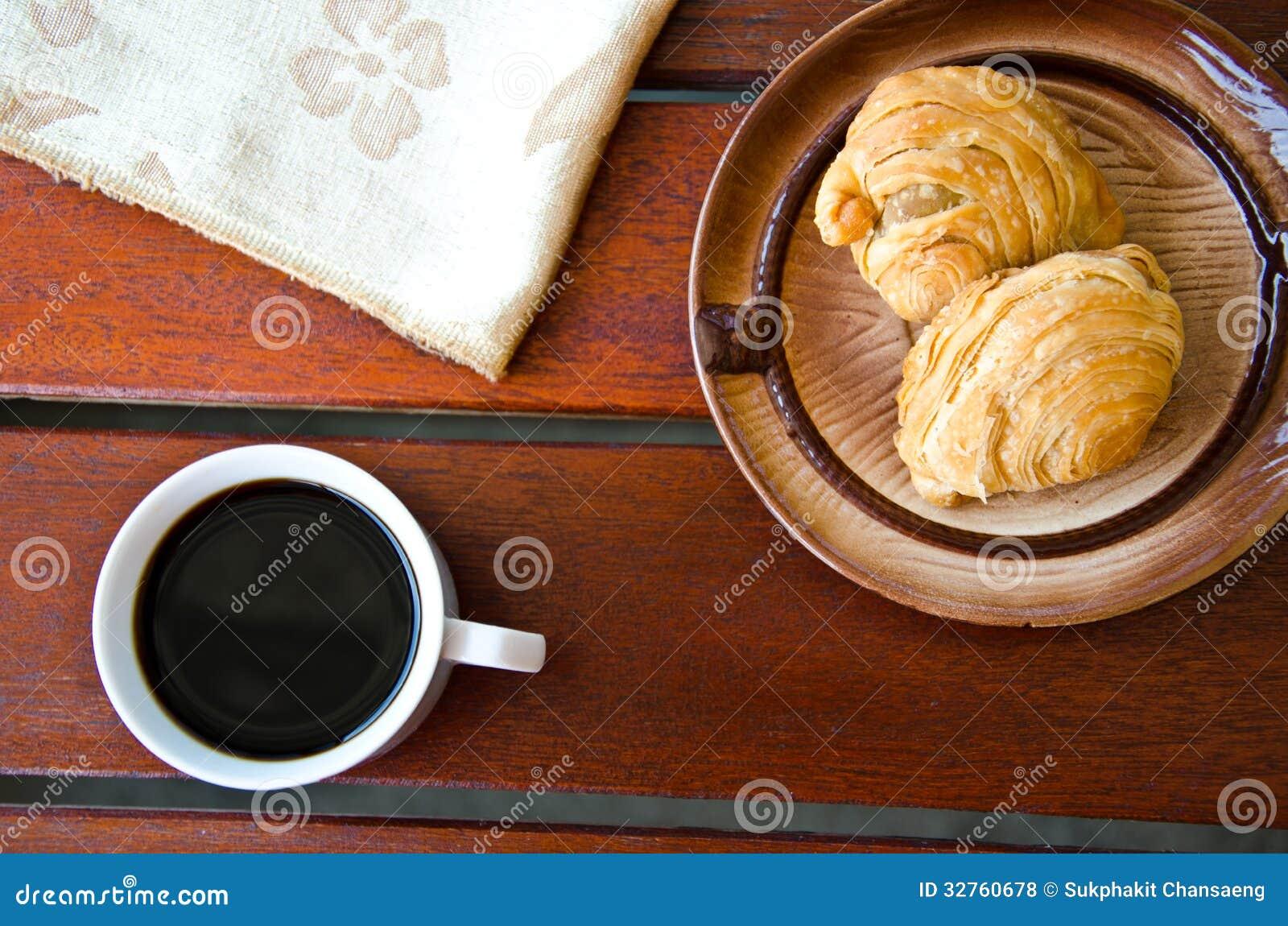 Ριπή κάρρυ και μαύρος καφές