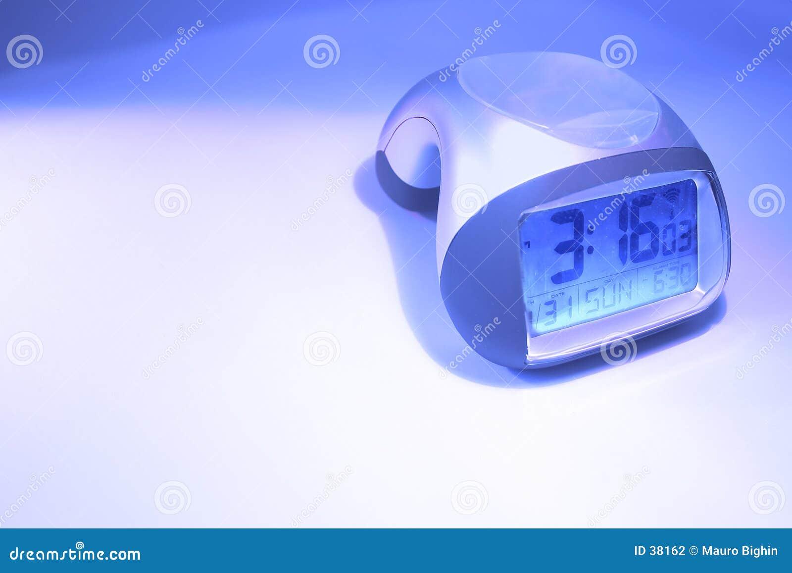 ρολόι συναγερμών επάνω στ&alp
