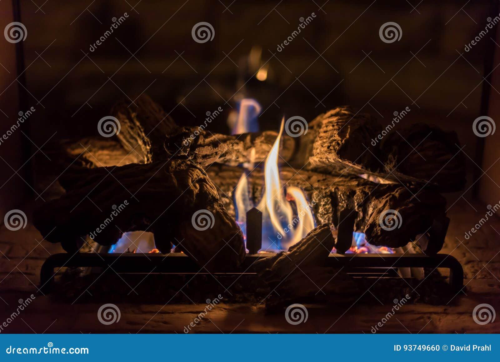 Ρομαντική πυρκαγιά στην εστία