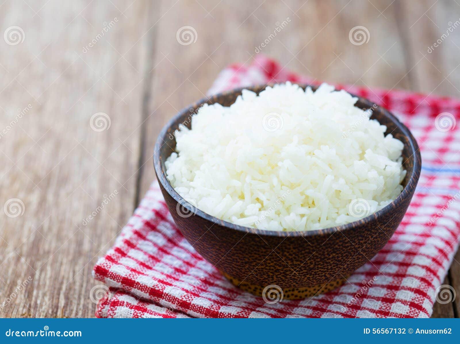 Download Ρύζι της Jasmine σε ένα κύπελλο ρυζιού Στοκ Εικόνες - εικόνα από γεύμα, course: 56567132