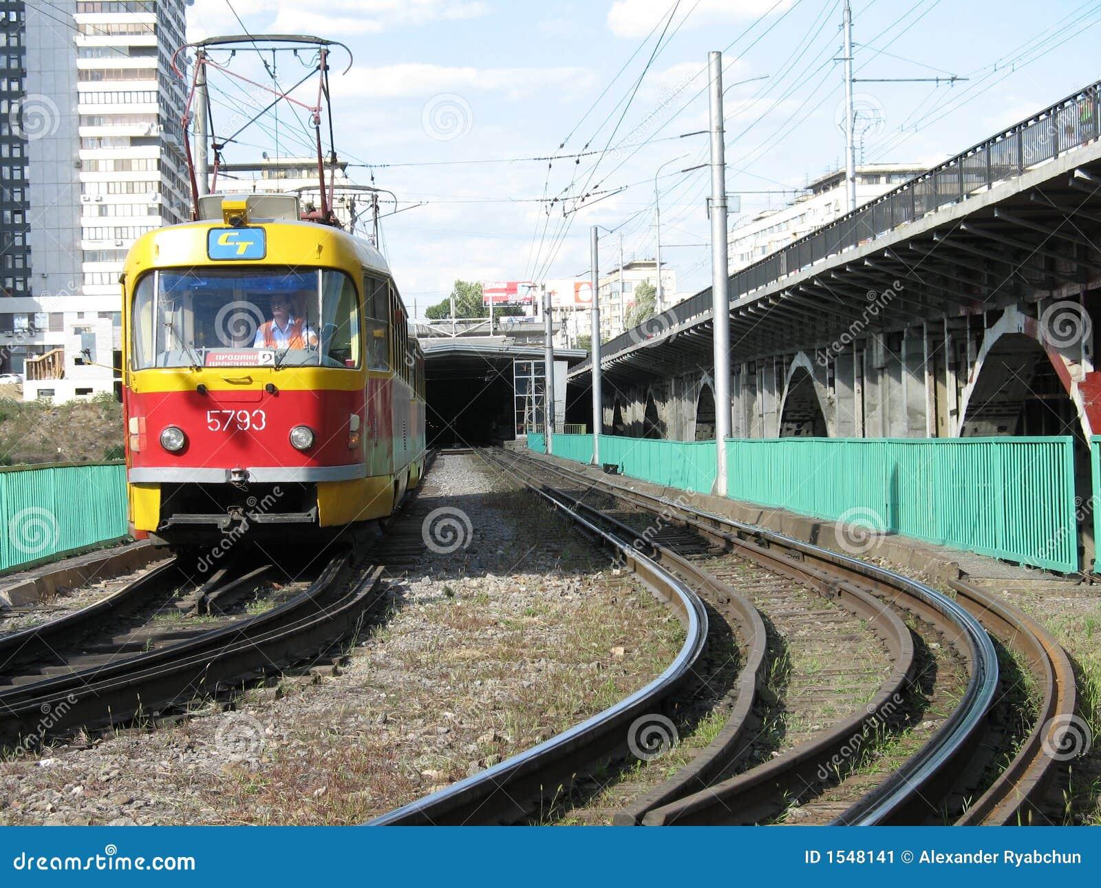 σήραγγα τραμ φύλλων πόλεω&nu