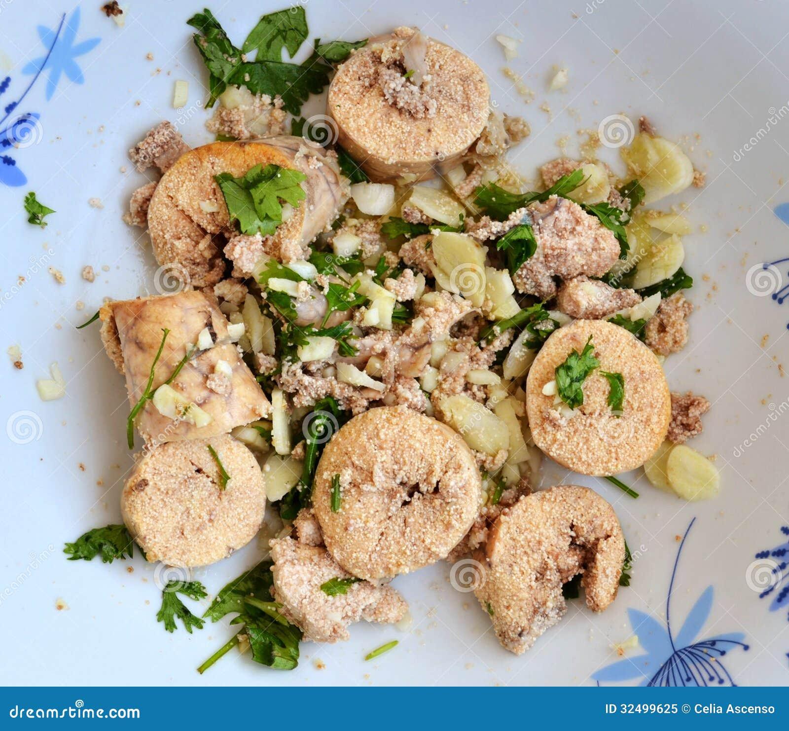 Σαλάτα ορεκτικών αυγοτάραχων αυγών ψαριών