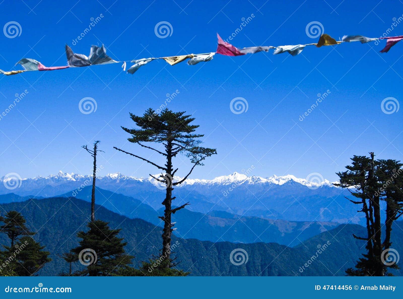 Σειρά βουνών Himalayan στο Μπουτάν