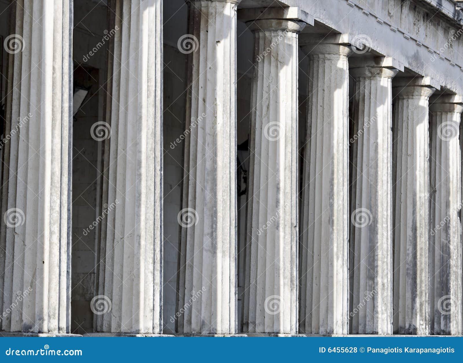 σειρά στυλοβατών αρχαίου Έλληνα